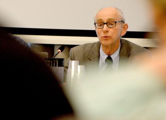 "<span class=""st"">Jusprofessor Jan Fridthjof Bernt er Norges fremste ekspert på offentlighetsloven, ifølge NRK og VG.<br /></span>"