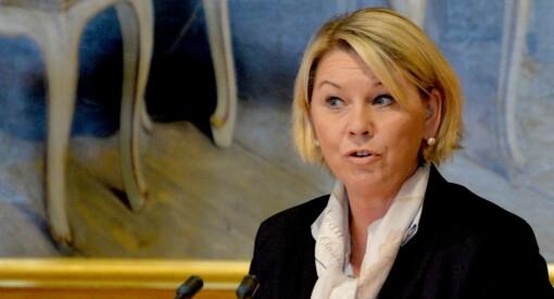 Departementet valgte å offentliggjøre Mælands sms-er. De kunne med loven i hånd holdt dem hemmelig