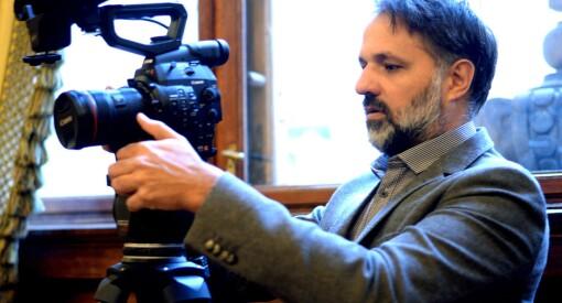 NFI snur: Ulrik Imtiaz Rolfsen får likevel støtte til å gjøre ferdig omstridt dokumentar