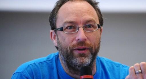 Wikipedia-grunnlegger Jimmy Wales møter 25 unge på Telenor Youth-konferanse