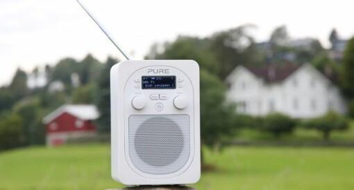 14 prosent lytter nå kun til FM, og DAB er den mest brukte plattformen for radiolytting både i hjemmet og i bilen