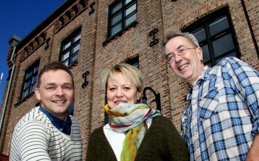 AKERSPOSTEN: Disse tre stod i fjor bak relanseringen av den 111 år gamle lokalavismerkevaren. Fra venstre: Fredrik Eckhoff, Hanne Bae Ottho og Vidar Bakken.