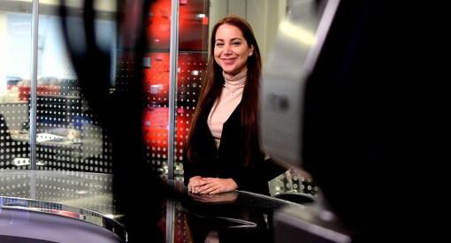 Elnaz Esmailzadeh (28) har fått jobben med å løfte inntektene for VGTV. Her er planen hennes