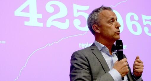 Tre av fire statlige mediekroner går til NRK. Amedia mener resten av bransjen bør få mer