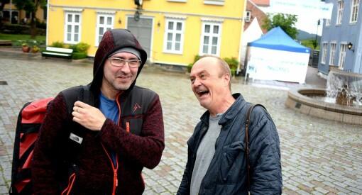Her er Jarle Aabø tilbake som journalist. Mens tegner Knarvik planlegger «Thomas Hebdo»