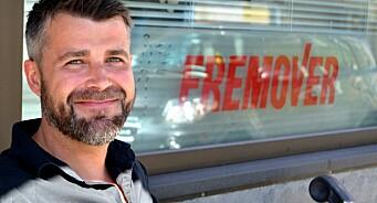 Slutter i verdensledende tech-selskap for rådgiverjobb i lokalavis: Alexander Øksenberg fra Sixty til Fremover