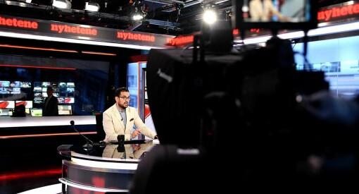 TV 2-anker Yama Wolasmal lager nyheter på afghansk: Forsøker å lære flyktninger norske verdier på deres eget språk