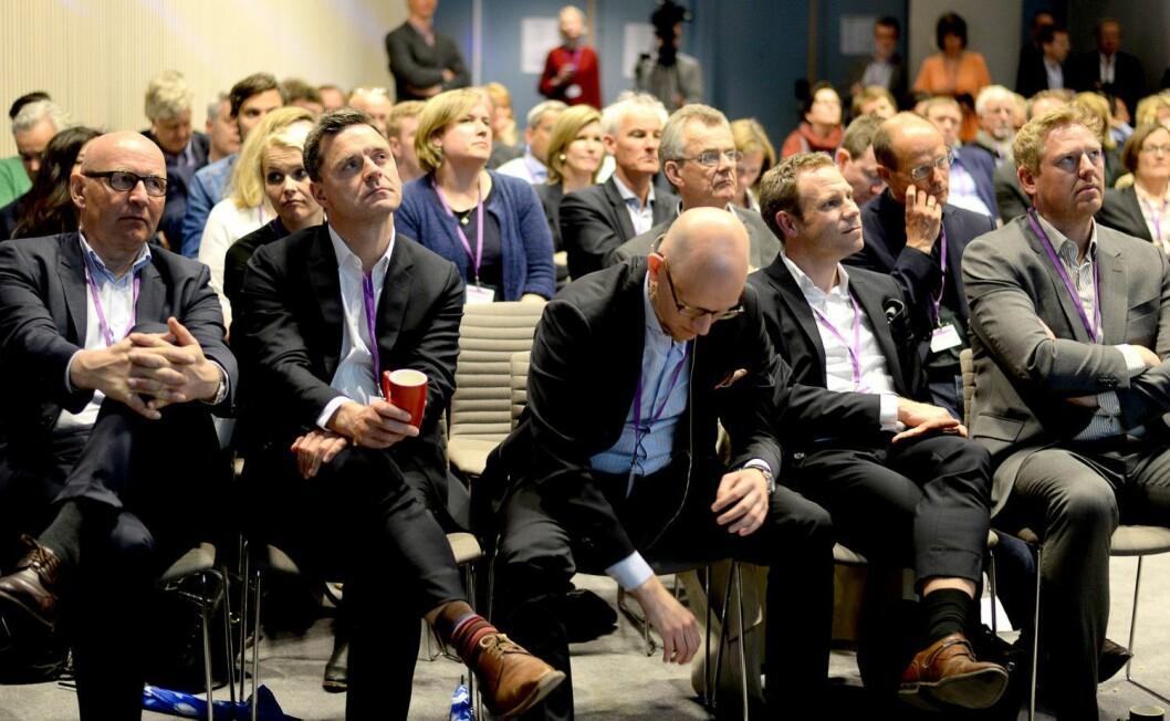 Schibsted-avisene er blant dem som har argumentert hardest mot innstramminger i regelverket for telefonsalg. Her til venstre: Konsernsjef Didrik Munch i Schibsted Norge og Aftenpostens publisher Espen Egil Hansen. Bildet er fra MBL-konferansen Medieleder 2015.