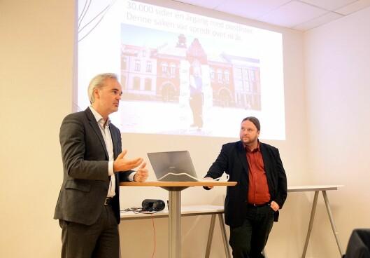 Sjefredaktør Eivind Ljøstad i Fædrelandsvennen sammen med journalist Tarjei Leer-Salvesen under en pressekonferanse da de presenterte utvidelsen av verktøyet i Oslo Media House.