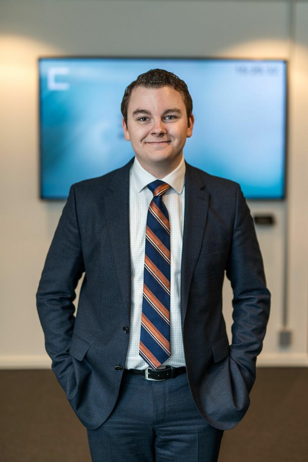 Slik ser Espen ut til daglig - i jobben som politisk rådgiver for Sylvi Listhaug.