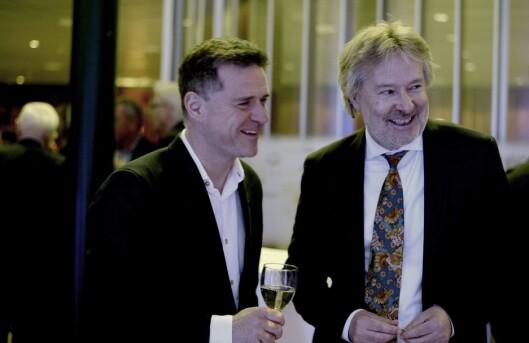 Aftenpostens sjefredaktør Espen Egil Hansen (t.v.) og nå publistisk ansvarlig og styreleder for alle Schibsted-avisene, Torry Pedersen. Her på konsernets julearrangement i desember 2016.