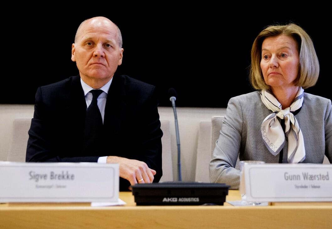 Telenor-sjef Sigve Brekke og styreleder Gunn Wærsted under en høring tidligere i år.