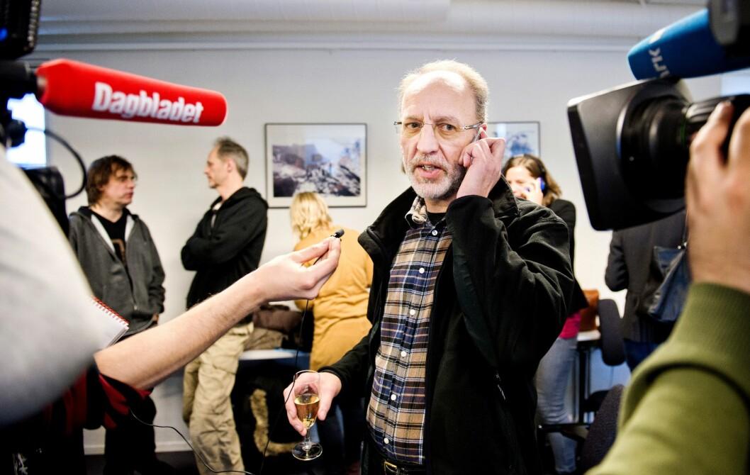 «Kon Tiki»-produsent Aage Aaberge signerte tirsdag avtale på vegne av Nordisk Film om «Slaget om Narvik»-filmprosjektet.