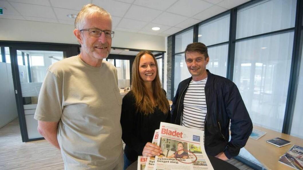 Tillitsvalgt i Stjørdalens Blad, Ivar Værnesbranden, redaktør Linn K. Yttervik og tillitsvalgt i Malvik-Bladet Richard Bakken - her fotografert da fusjonen ble vedtatt.