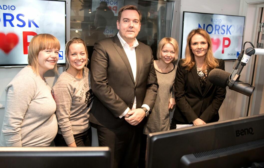 Denne gjengen åpnet Norsk Pop nylig, fra venstre: Artist Britt Synnøve Johansen, artist og programleder i Radio Norsk pop Hanne Sørvaag, Bauer Media-sjef Lasse Kokvik, artist Randi Tytingvåg og kulturminister Linda Hofstad Helleland.