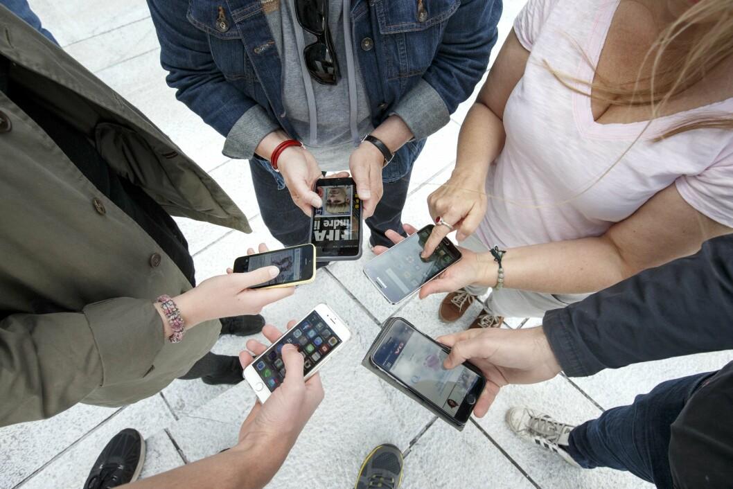 Nordmenn blir stadig mer mobil - og mobilene blir stadig smartere.