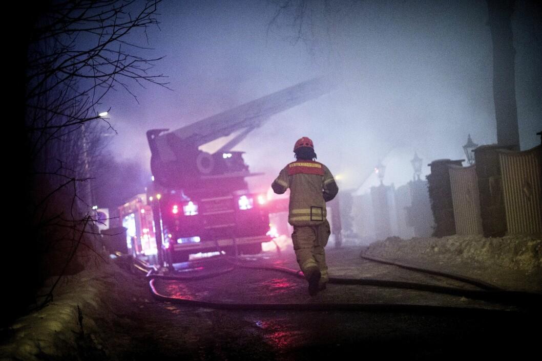Brann i enebolig i Doktor Holmsvei i Holmenkollen.