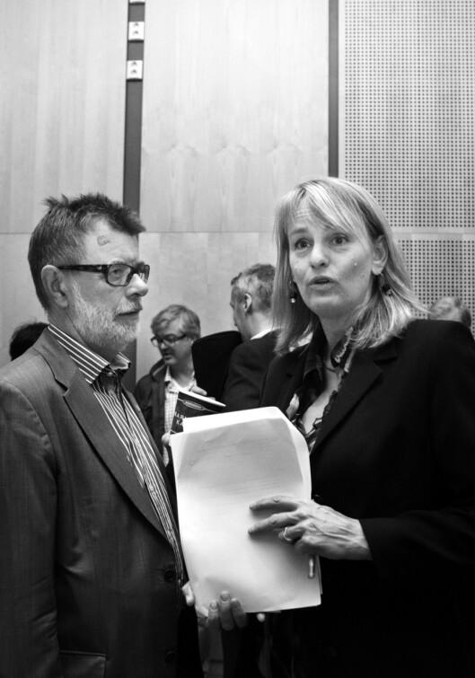 Nyere tid, altså 2012: Administrerende direktør i MBL, Randi S. Øgrey og fagsjef Helge Holbæk-Hanssen i Mediebedriftenes Landsforening.