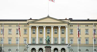 Kildene i kritiske artikler om kongehuset ble oppringt av hoffet i etterkant