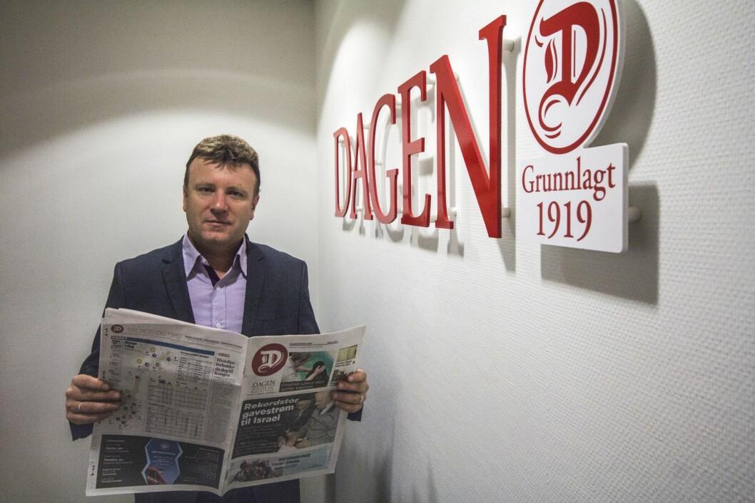FORNØYD: Sjefredaktør i Dagen Vebjørn Selbekk er fornøyd med at avisen kom å mål med frivillige sluttpakker.