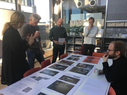 Magasinredaktør Jane Throndsen, reportasjeleder Sverin Kjølberg, reporter Ronny Berg, Art Director Simen Grytøyr og redigerer Torfinn Weisser går gjennom spesialutgaven av VG Helg for tiende gang.