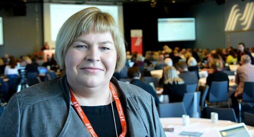 - Regjeringen ønsker ikke åpenhet og debatt, mener Elin Floberghagen