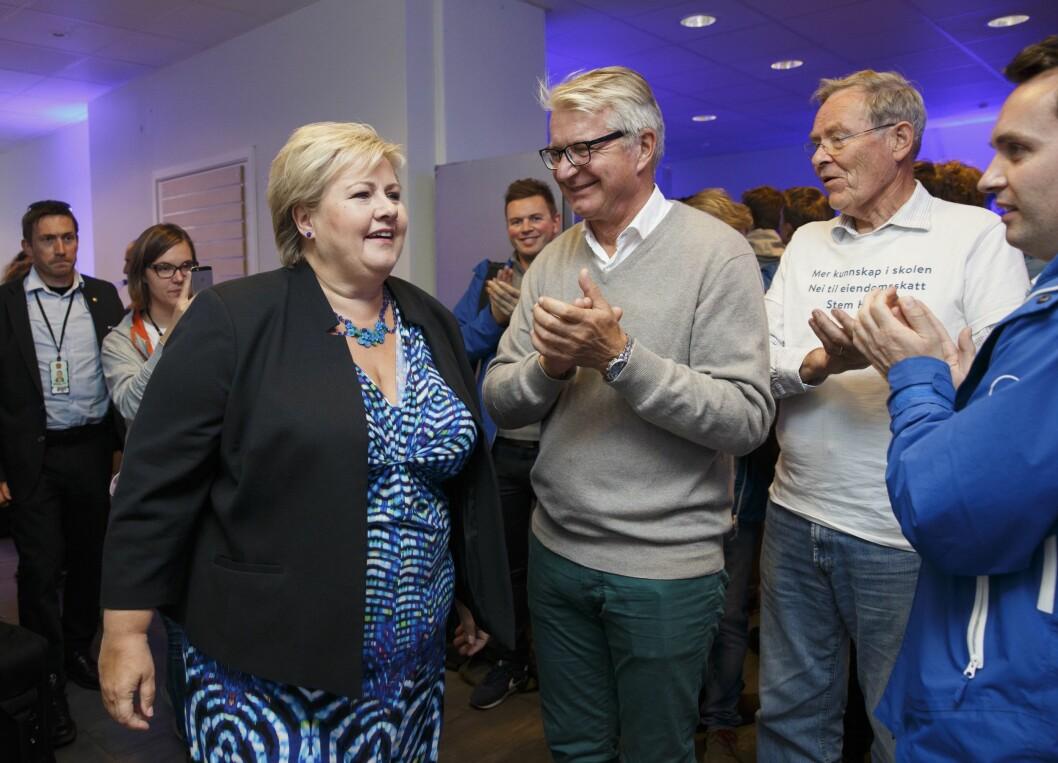 Statsminister Erna Solberg og nå statssekretær Fabian Stang. Dette bildet ble tatt ved en tidligere anledning.