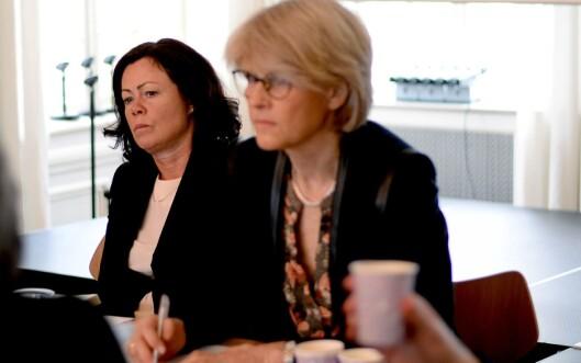 Barne- og likestillingsminister Solveig Horne (t.v.) og Siri Gedde-Dahl, journalist og leder av Pressens offentlighetsutvalg.