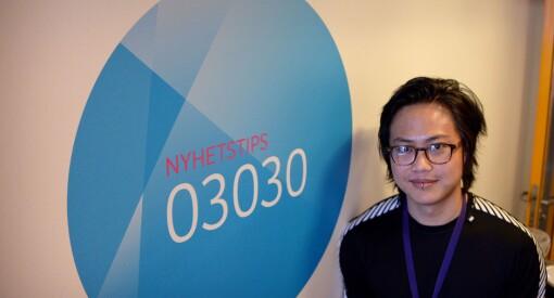 Nareas (33) snakker svensk, kommer fra Thailand og er oppvokst på bygda i Trøndelag. Og når NRK-reporteren prater, klager publikum