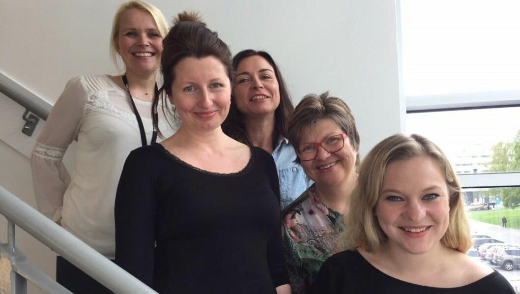 Skal lede NRKs nettsatsing: F v Hildegunn Amanda Soldal, Laurie MacGregor, Tone Libråten, Hege Øygaren og Ida Anna Haugen. Sivert Moe Winther var ikke tilstede da bildet ble tatt).