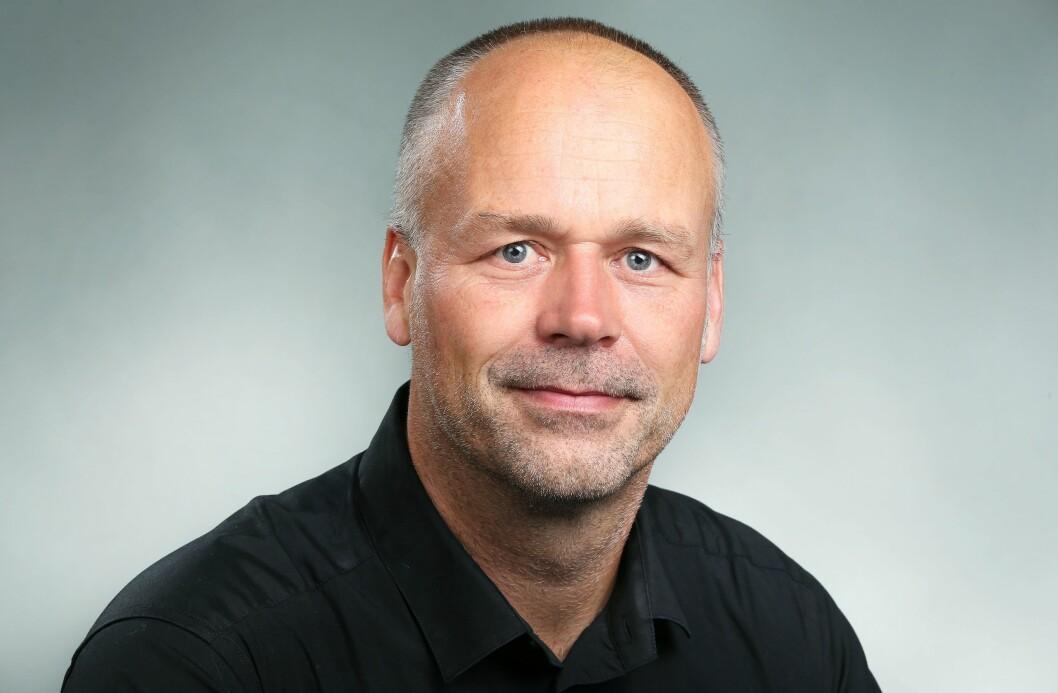Marius Hoel er kulturredaktør i NRK og tilbakeviser påstandene.