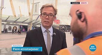 Her blir NRK-reporter Espen Aas avbrutt på direkten i Dagsrevyen: «Fuck, that's brilliant»