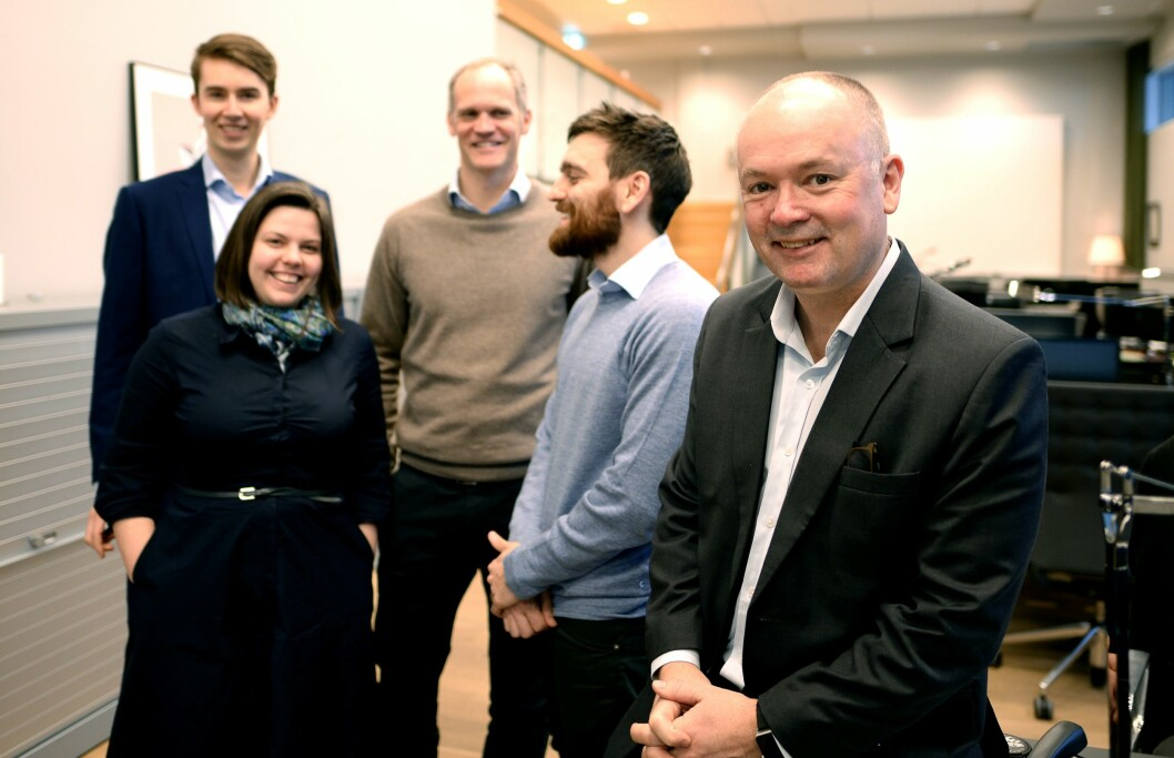Noen av de 16 ansatte i Corporate Communications, fra venstre: Rådgiver Stål Garberg, rådgiver Kaia Tetlie, rådgiver Mats Ekvtedt, partner Ben Holan og managing partner Are Slettan.