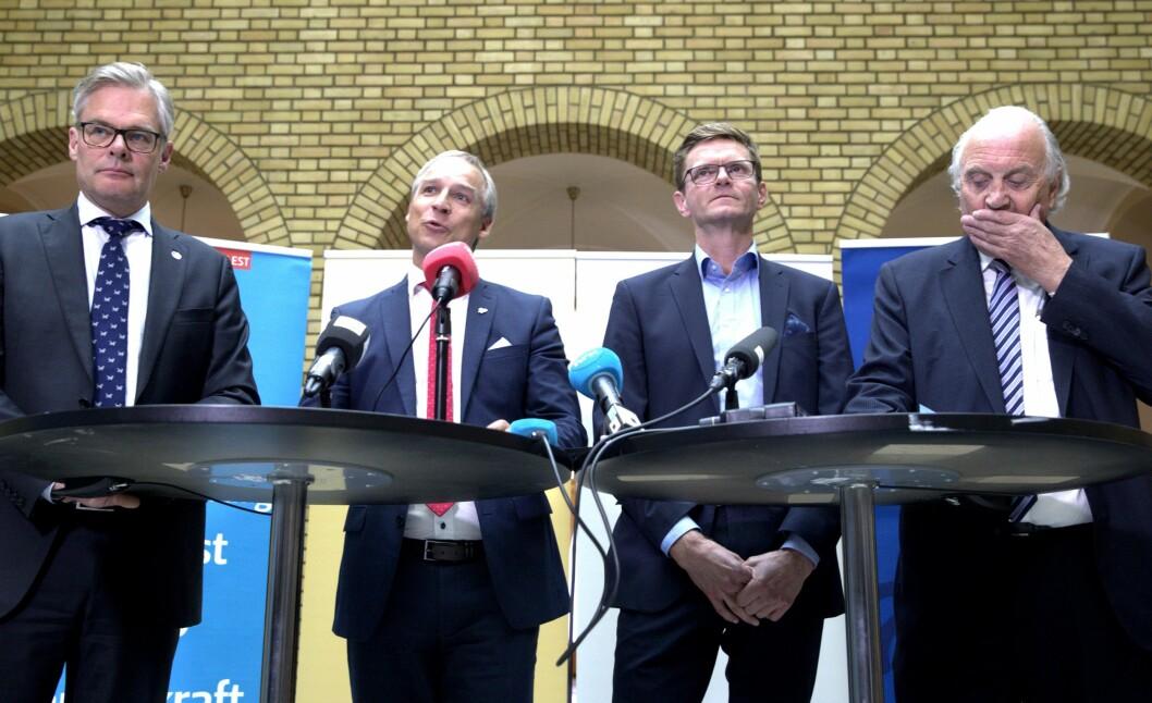 Pressekonferanse om revidert budsjett på Stortinget onsdag.