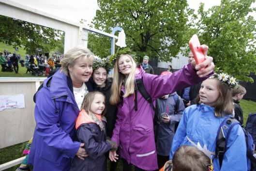 Statsminister Erna Solberg (H) har også tidligere besøkt Miniøya. Her fra 2015.