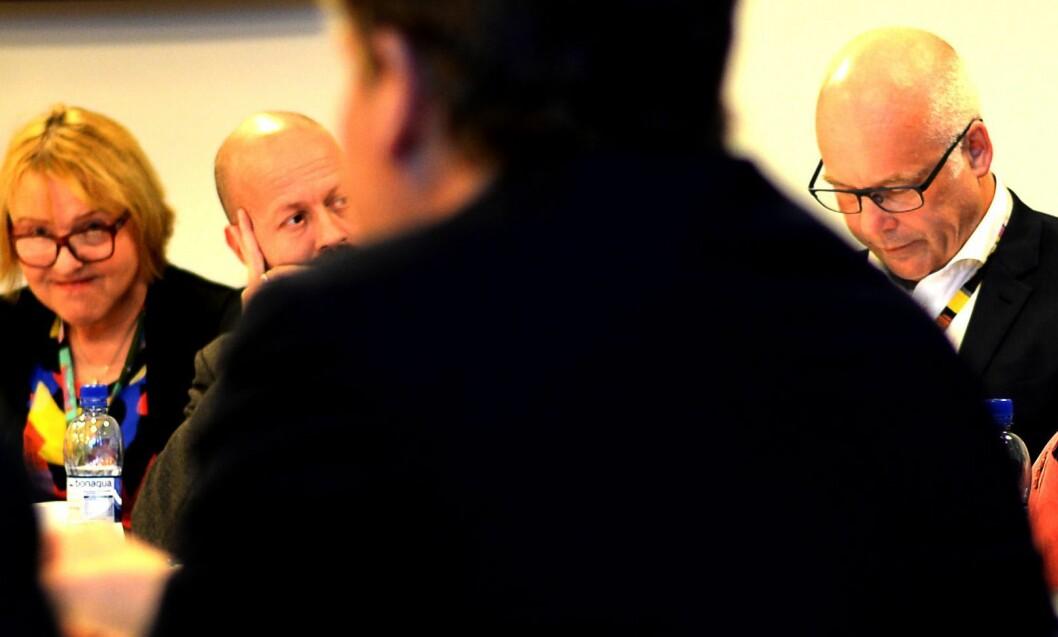 NRK-sjef Thor Gjermund Eriksen (t.h.) og distriktsdirektør Grethe Gynnild-Johnsen (t.v.) må tåle dårlig score i Nord-Norge. Bildet er fra et møte i Kringkastingsrådet i 2015.
