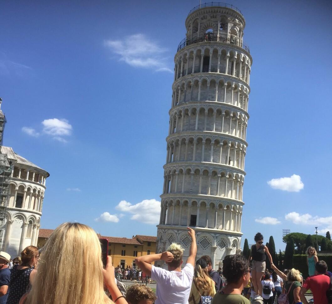 POPULÆRT: Pisas skjeve tårn er blant sommerens hits på Facebook i Norge og verden rundt.