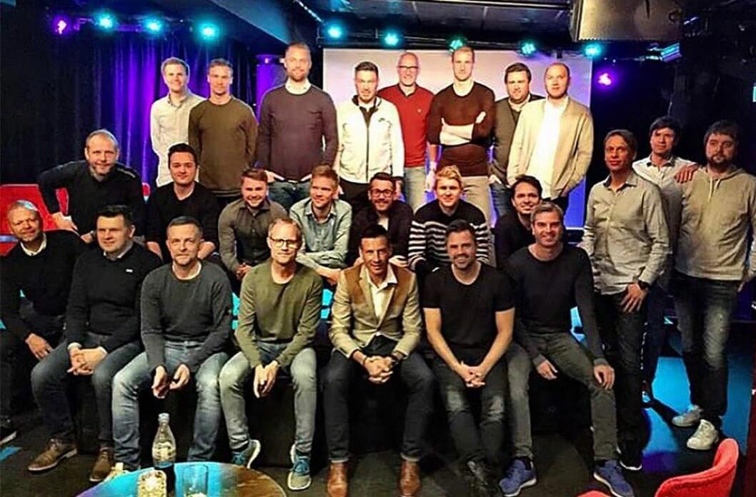 Denne gjengen (og noen til) står bak TV 2s Premier League-satsing i år. Det er ikke forstyrrende mange kvinner på dette bildet.