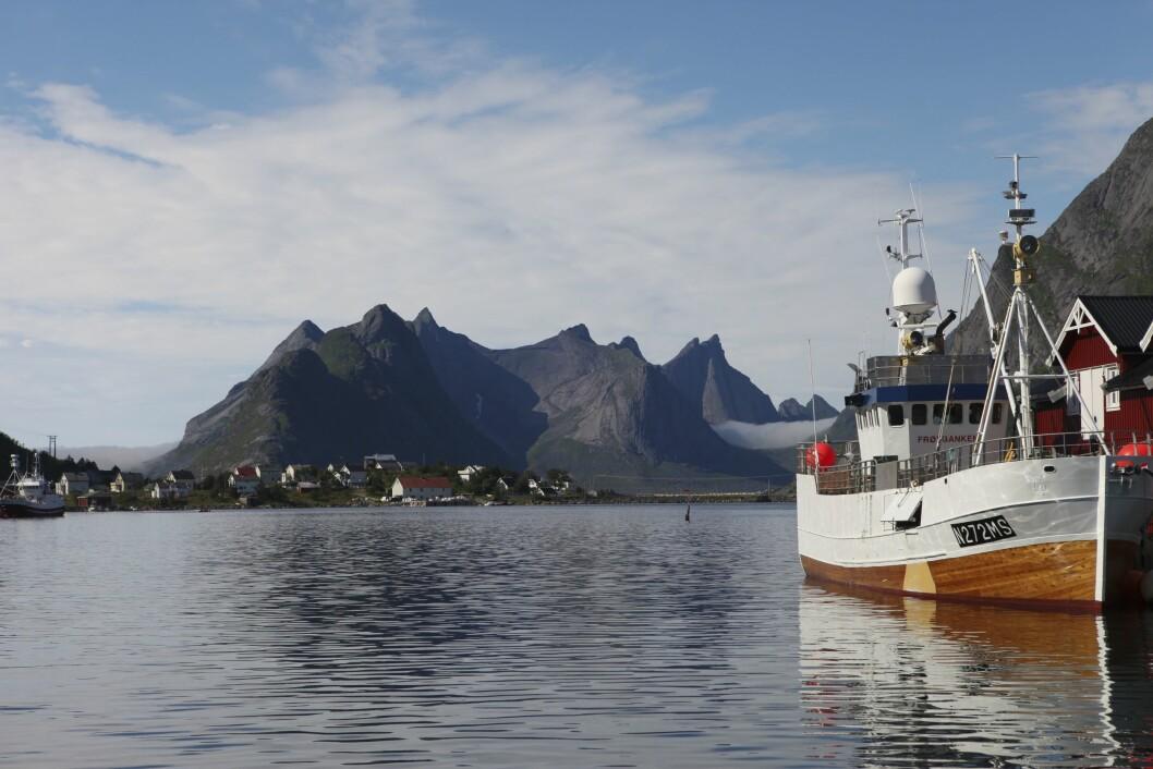 Hvor mange turister kommer egentlig til Lofoten? Her fra Reine i sommervær.