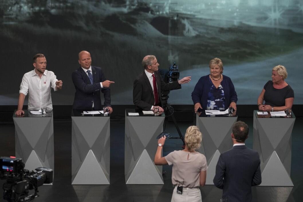 Partilederdebatt i Arendal mandag kveld, fra venstre: Audun Lysbakken, SV, Trygve Slagsvold Vedum, Sp, Jonas Gahr Støre, Ap, Erna Solberg, Høyre, og Siv Jensen, Frp.