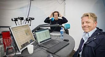 NRK Sørlandet har flyttet studioet ut på gata: Erik Wiig Andersen og Tom Nicolai Kolstad sender 12 timer fra Arendal sentrum