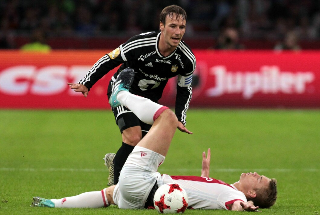 Mike Jensen (RBK) og Matthijs De Ligt (Ajax) under 1. kampen i 4. kvalifiseringsrunde til Europaligaen mellom Ajax og Rosenborg på Amsterdam Arena.
