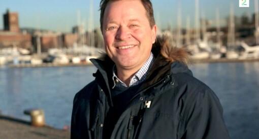 Arne Hjeltnes er god til å være blid på TV. Det blir heller pinlig når hattemakeren sutrer over presseetikk han ikke forstår