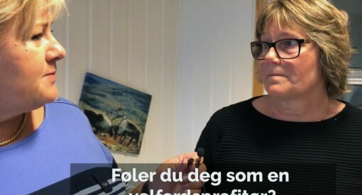 Statsminister Solberg inntok rollen som journalist på Facebook. Nå får hun faktasmekk av Faktisk