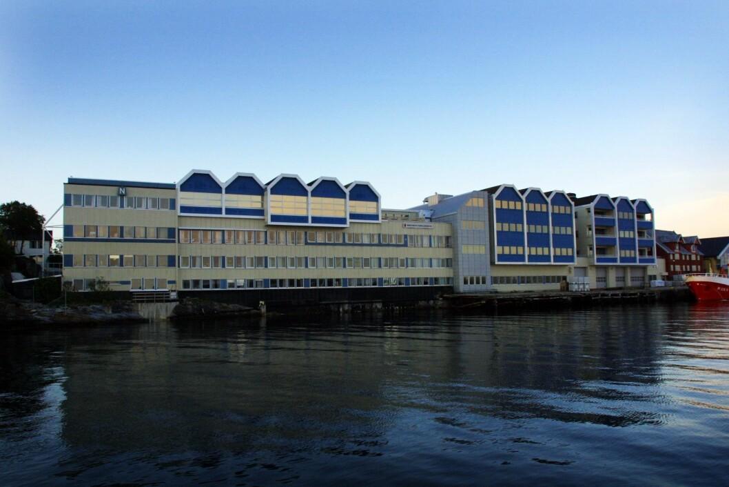 I alt ønsker 35 folk å jobbe som kommunikasjonsrådgiver i Brønnøysundregistrene. Eksteriørbilde av Brønnøysundsregisteret fra sjøsiden.