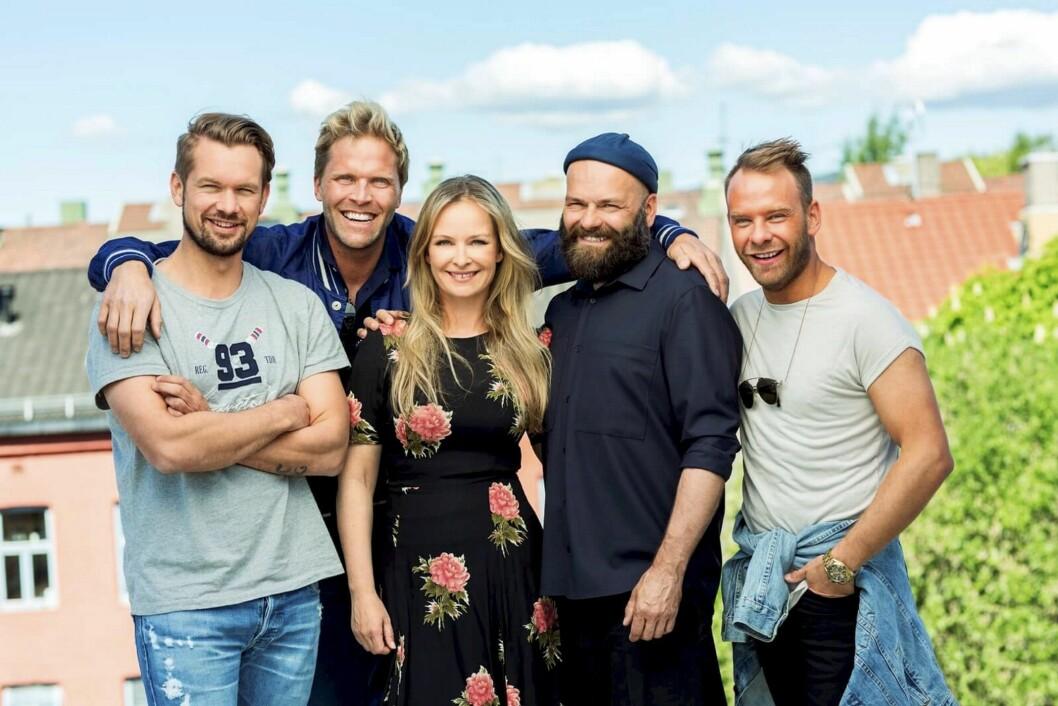 Dette laget tok «Norske rotehjem»-programleder Synnøve Skarbø med seg rundt i Norge: F.v. Rune Haraldsen (snekker), Thomas Steen (interiørdesigner), John André Hanøy (interiørdesigner), Mads Molvik (interiørdesigner).
