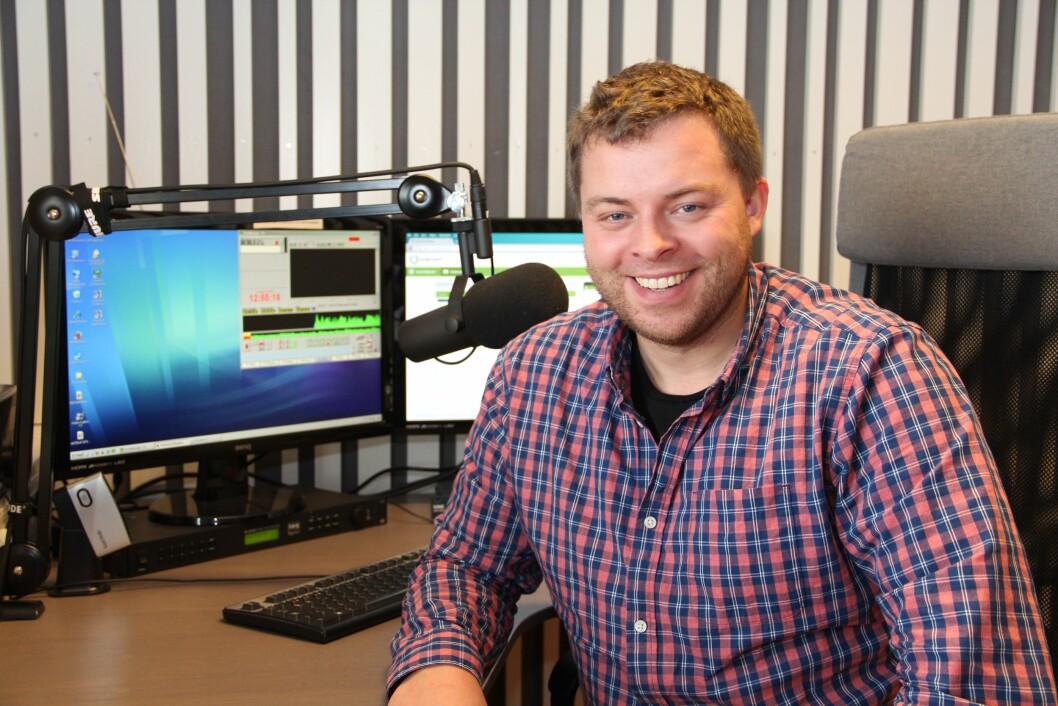 FORNØYD RADIOSJEF: Bjørn-Martin Brandett, daglig leder i Hedmarksradioene AS.