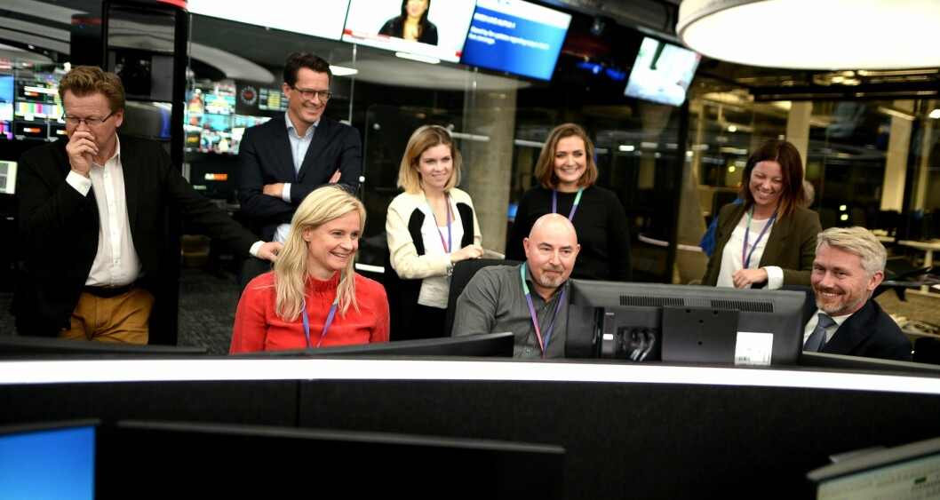 TV 2-ledelsen beøskte den nye nyhetsdesken i Bergen ved siste gjennomkjøring i november 2017.