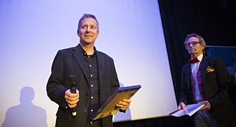 Han står bak over 10.000 avistegninger: Nordnorsk hederspris til presseveteran og iTromsø-tegner Odd Klaudiussen