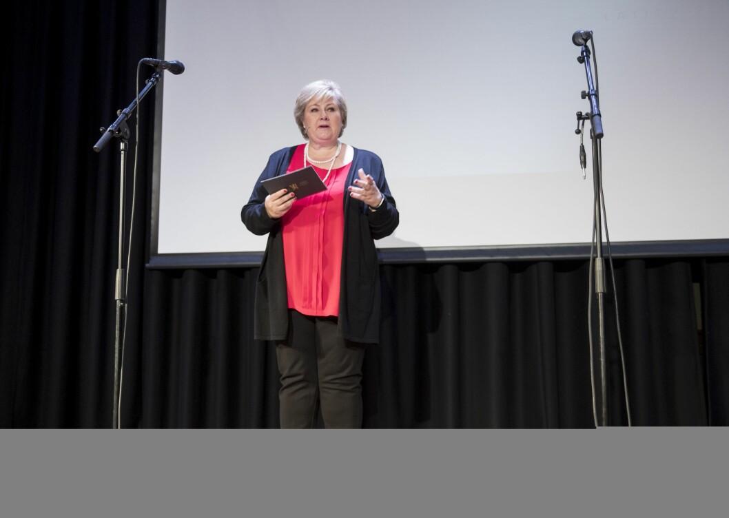 Statsminister Erna Solberg (H) på ombudets årskonferanse 2017.